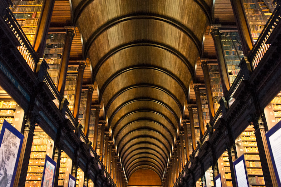 One day in Dublin? See the Highlights with these Tips! || City Guide by The Travel Tester || #CityGuide #Ireland #Dublin #VisitIreland #VisitDublin #24HGuide #TrinityCollege #BookOfKells