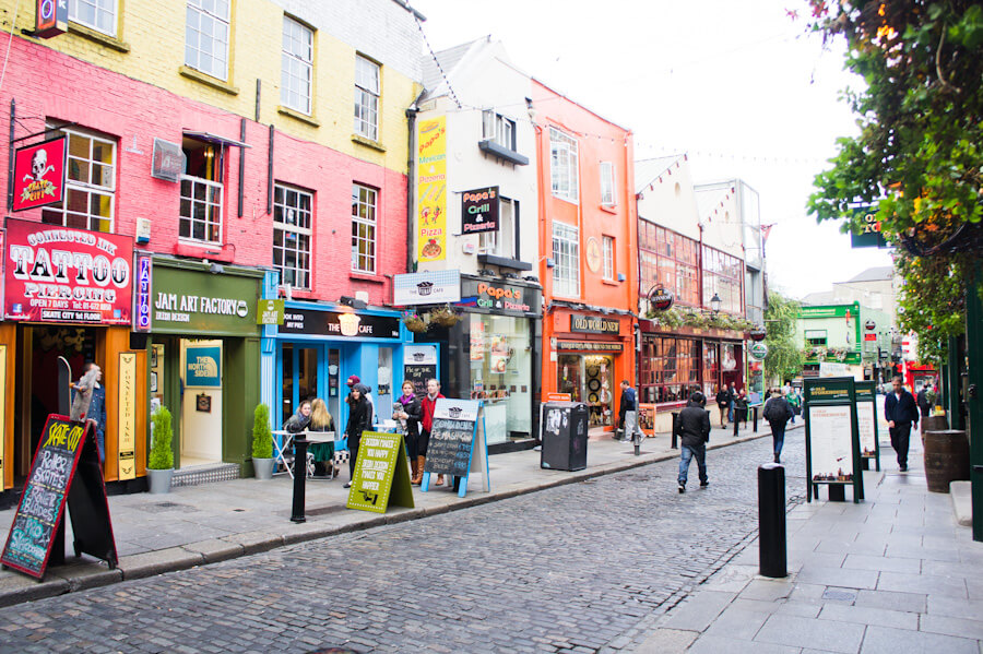 One day in Dublin? See the Highlights with these Tips! || City Guide by The Travel Tester || #CityGuide #Ireland #Dublin #VisitIreland #VisitDublin #24HGuide #Bar #TempleBar #Pub