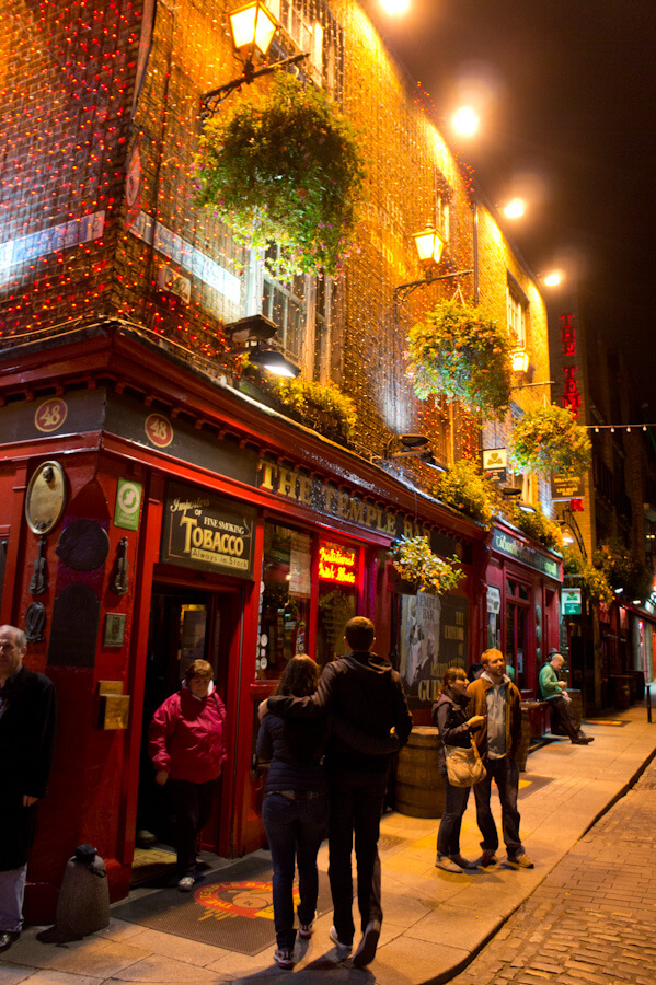 One day in Dublin? See the Highlights with these Tips! || City Guide by The Travel Tester || #CityGuide #Ireland #Dublin #VisitIreland #VisitDublin #24HGuide #Pub #Bar #Restaurant #Food