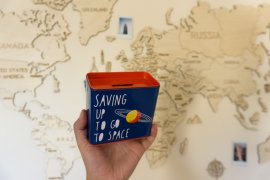 How to Find Unique Souvenirs You Won't Get Bored With || The Travel Tester