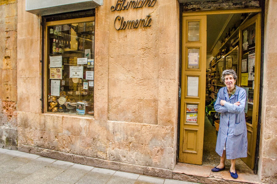 What to do in Oviedo Spain for a Weekend? See the Highlights with these Tips! || The Travel Tester