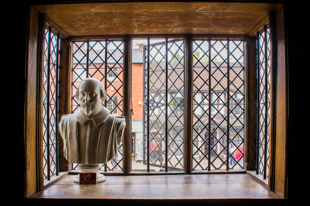 One Day in Stratford-Upon-Avon in England? See the Highlights with these Tips || The Travel Tester