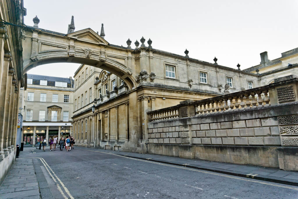 One Day In Bath, England? Complete Guide To A Perfect City Break! || The Travel Tester || #England #Engeland #Bath #RomanBath #Roman #CityGuide #WeekendBreak #UnitedKingdom #GreatBritain #RomanBaths #Roman